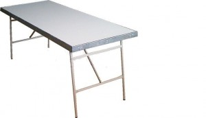 mesa metálica
